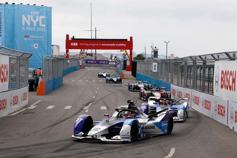 New York (USA), 11.07.2021. ABB FIA Formula E World Championship, New York E-Prix, Jake Dennis (GBR) #27 BMW iFE.21 und Maximilian Günther (GER) #28 BMW iFE.21.