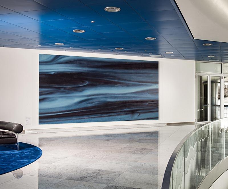 Gerhard Richter,'Blau', Öl auf Leinwand, 3m x 6m, 1973. Foyer der BMW Group Konzernzentrale in Muennchen. Foto: Wolfgang Stahr.