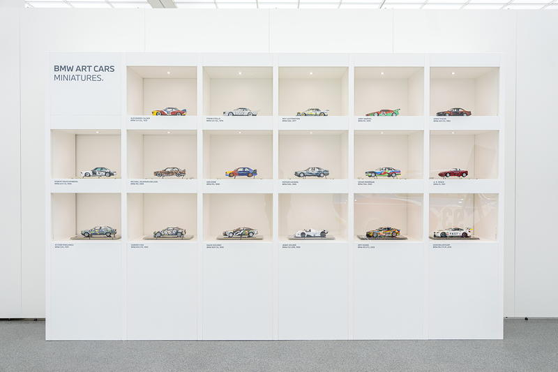 BMW Art Cars @ Pinakothek der Moderne, vom 31. August bis 12. September 2021, München. Miniaturen der BMW Art Car Collection.