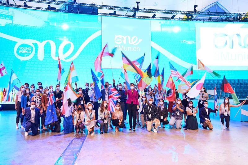 BMW Group Delegation auf der One Young World Summit