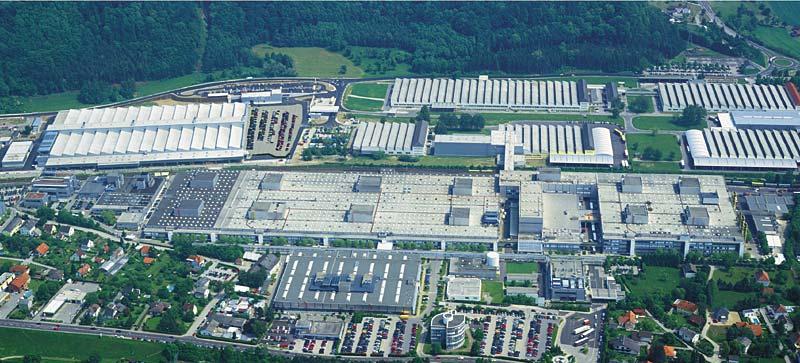 Luftaufnahme des BMW Werks in Steyr