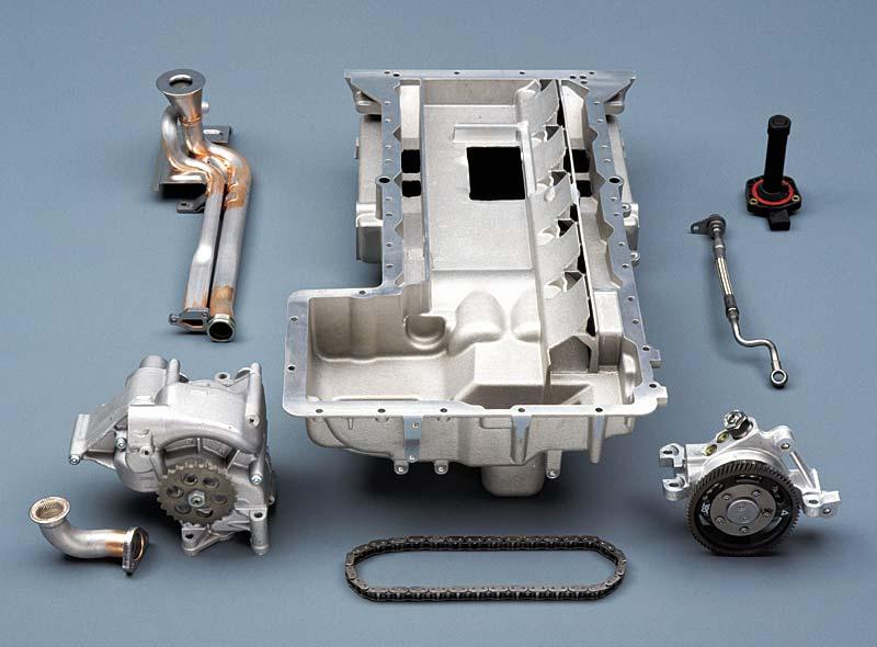 Bauteile Ölkreislauf mit Pumpen, Antriebskette und Ölwanne