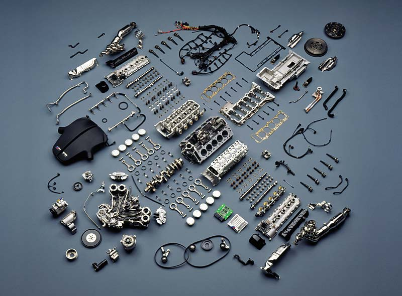 Gesamtmotor, in Einzelteile zerlegt