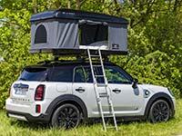 MINI macht Urlaub – mit der grünsten Camper-Flotte der Welt.