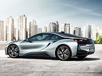 """Nachhaltige Faszination: Der BMW i8 gewinnt das """"Goldene Klassik-Lenkrad"""" 2014."""