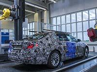 BMW Group Werk Dingolfing bereitet sich auf neuen BMW 5er vor