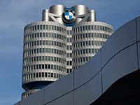 Ad hoc: Vorsteuerergebnis und Umsatz der BMW Group im ersten Quartal 2017 über Markterwartungen