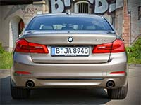 G20 war gestern - G30 rollt durch Berlin: BMW 530d Limousine