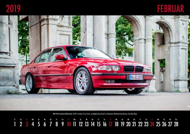 "7-forum.com Wandkalender 2019, Motiv Februar: BMW 740i M Individual (E38), Baujahr 05/1999, Farbe: Imolarot 2, von Jörg (""Imola 2""), Aufnahmeort: Musikhochschule Hannover, Foto: Bekir Özgen"