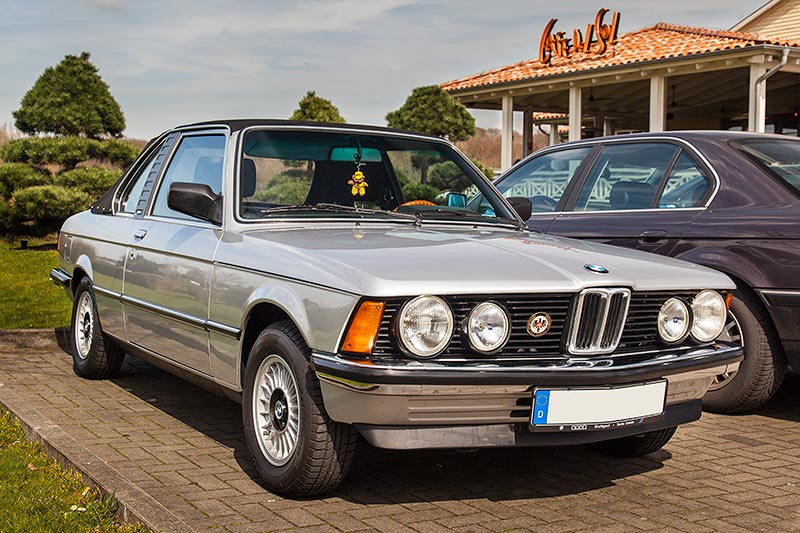BAUR BMW TC1 auf Basis der erste BMW 3er-Reihe (E23) beim Rhein-Ruhr-Stammtisch im April 2016