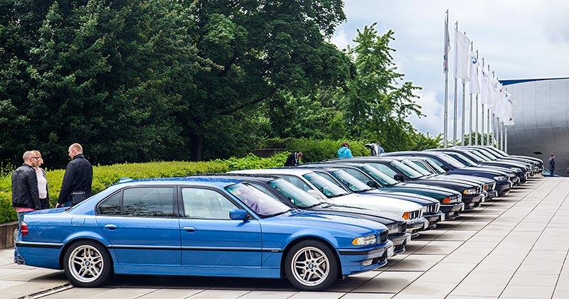 7-forum.com Jahrestreffen 2016: BMW 7er-Reihe auf der Rampe.