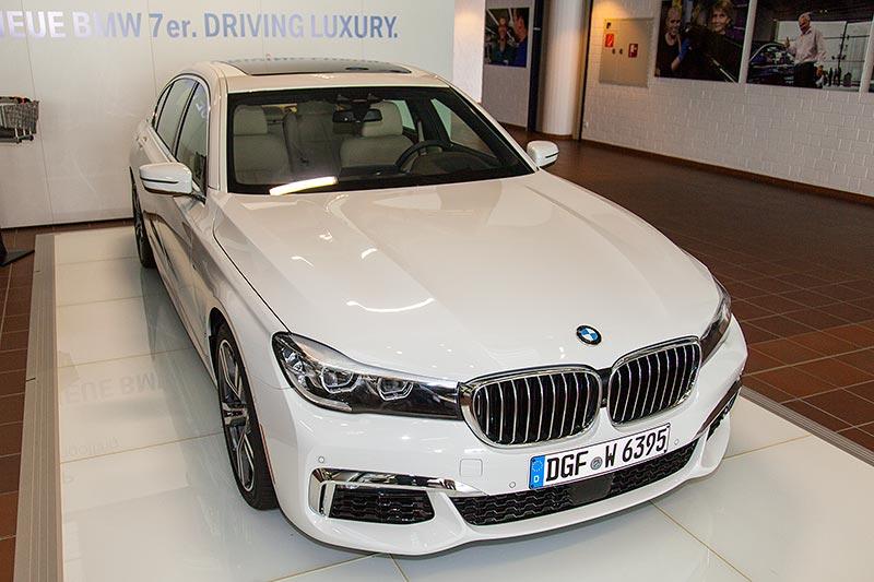 7-forum.com Jahrestreffen 2016, Besichtigung im BMW Werk Dingolfing: BMW 7er mit M Sport Paket