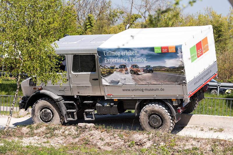 Unimog U4023 auf dem Gelände des Unimog Museums in Gaggenau