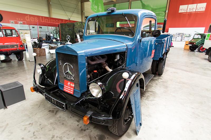 Mercedes-Benz LKW L 3000S, mit Dieselstern: in Gaggenau wurden 1923 erstmals Diesel-Motoren in ein Automobil eingebaut