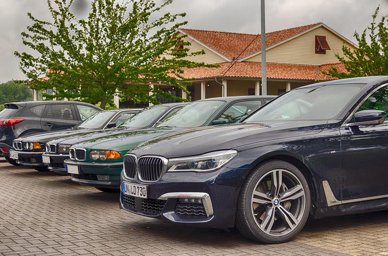 Rhein-Ruhr-Stammtisch im Juli 2017, vorne: BMW 730Ld mit M-Paket (G12) von Christian ('Christian')