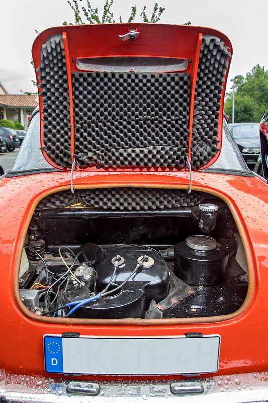 Goggomobil TS 250 Coupé von Ralf ('asc-730i'), Motor im Heck mit Dämm-Matte in der Motorhaube
