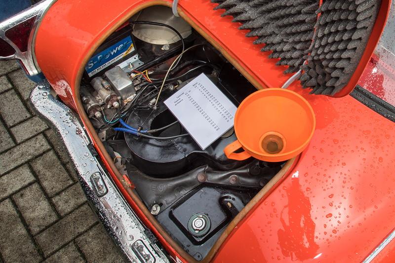 Goggomobil TS 250 Coupé von Ralf ('asc-730i'). Der Tankstutzen befindet sich hinten. Per Trichter kann das Tankgemisch eingefüllt werden.