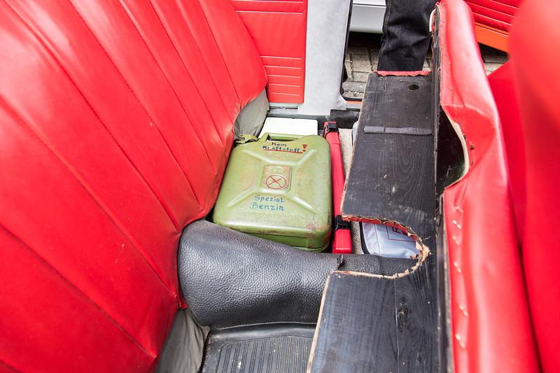 Goggomobil TS 250 Coupé von Ralf ('asc-730i'). Reserverkanister unter der Rückbank. Einen Kofferraum gibt es nicht.