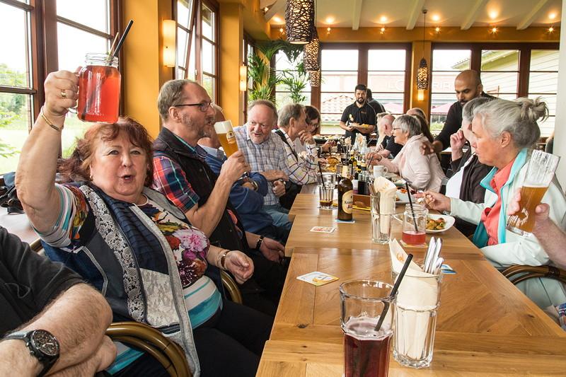 Rhein-Ruhr-Stammtisch im Juli 2017: wie immer wurde nur alkohohlfrei angestossen