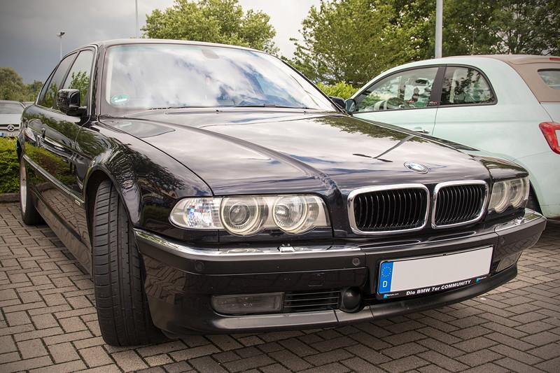 BMW 740i (E38) Individual von Frank ('heliman4'), Baujahr 2001, beim Rhein-Ruhr-Stammtisch im Juli 2017