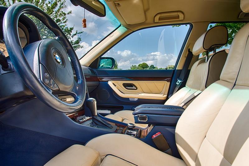 BMW 740i (E38) Individual von Frank ('heliman4') mit blauer Innenausstattung inkl. Keder und hellem Montana Leder.