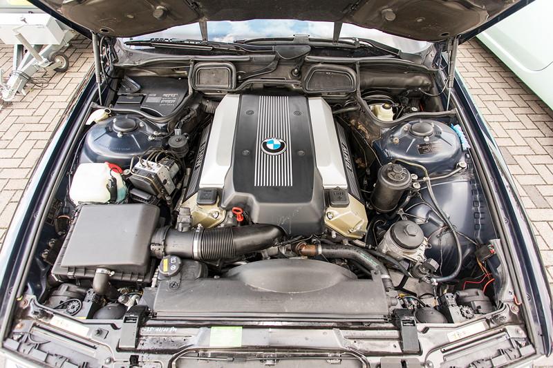 BMW 740i (E38) Individual von Frank ('heliman4'), V8-Motor mit 286 PS