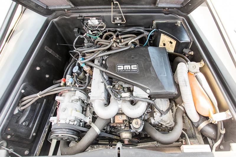 Rhein-Ruhr-Stammtisch im August 2017: DeLorean DMC-12. 6-Zylinder Renault Motor im Heck.