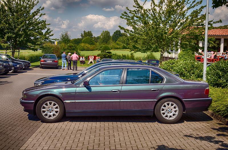 Hingucker: der BMW 740i Individual (E38) von Alfons ('A7fons') in Skarabäusgrün metallic