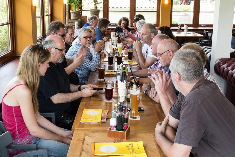 Rhein-Ruhr-Stammtisch im August 2017: 21 Teilnehmer kamen zum Café del Sol in Castrop-Rauxel