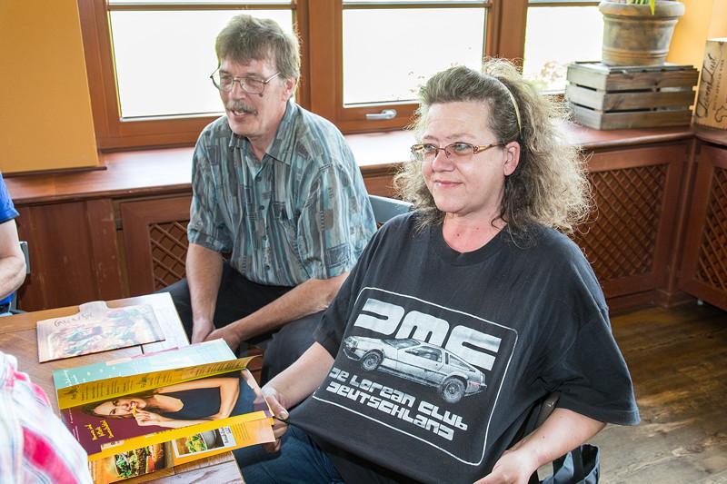 Rhein-Ruhr-Stammtisch im August 2017: neu beim Stammtisch und mit DeLorean Club T-Shirt: Peter ('JOY') und Manuela