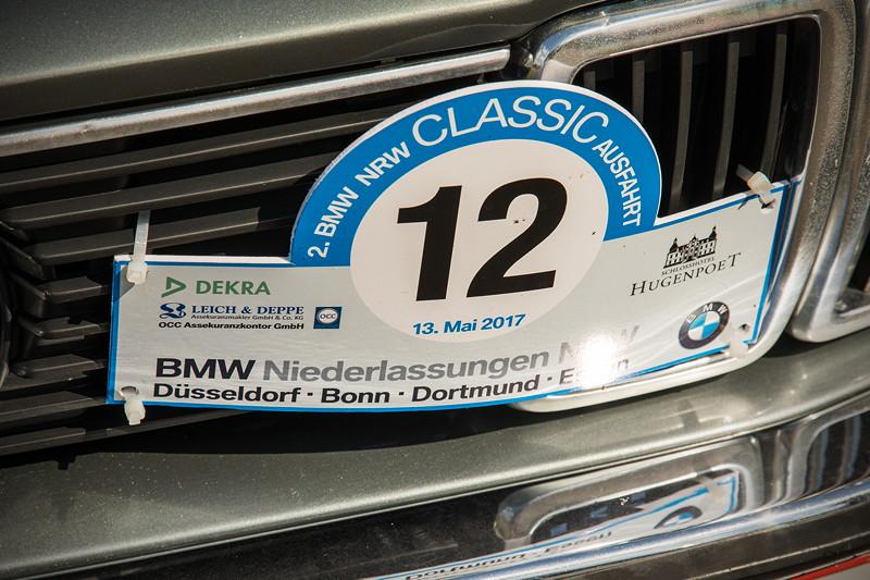 Rhein-Ruhr-Stammtisch im August 2017: Heinz-Peters ('Turbo Peter') BMW E23 trug noch das Schild der 2. BMW NRW Classic Ausfahrt.