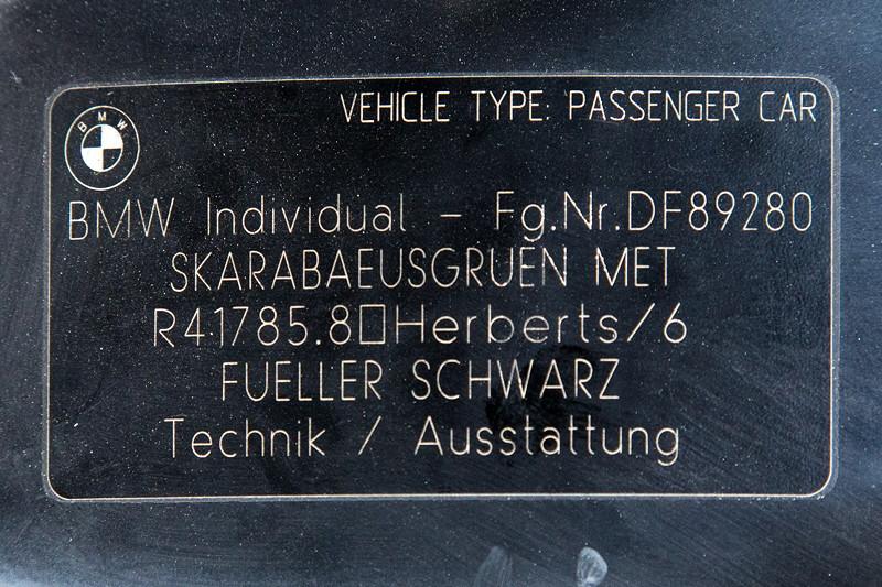 Rhein-Ruhr-Stammtisch im August 2017: Typschild im BMW 740i Individual (E38) von Alfons ('A7fons').