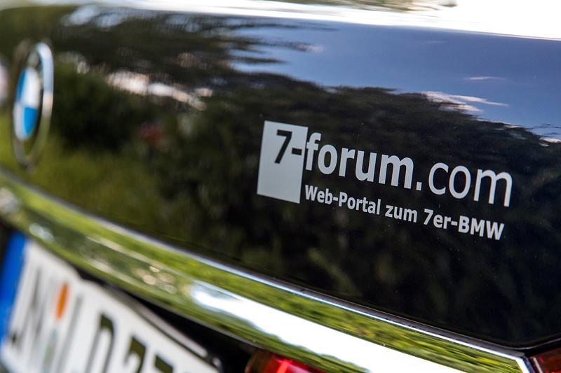 Rhein-Ruhr-Stammtisch im August 2017: 7-forum.com Aufkleber auf Christians ('Christian') 730Ld.