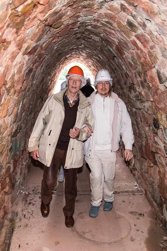 77. Südhessen-Stammtisch, Günther ('maggul', links) mit seinem Sohn im Kupferbergwerk Grube Wilhelmine