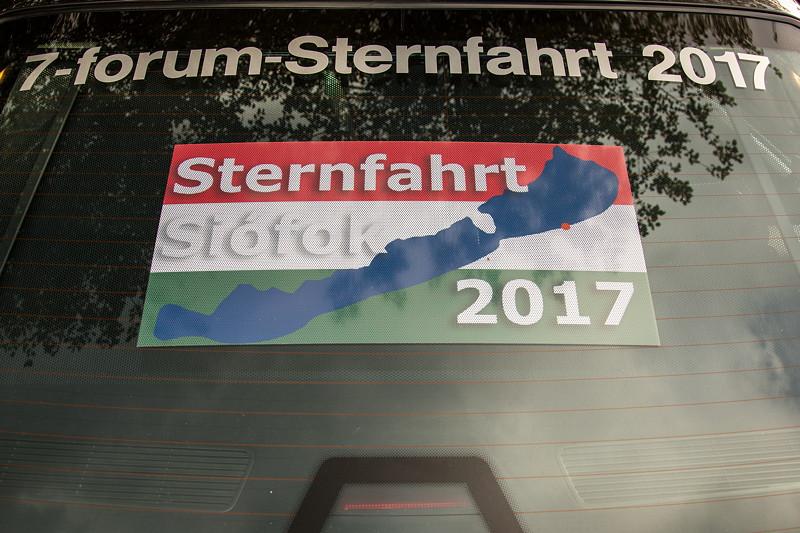 77. Südhessen-Stammtisch: Ralf ('asc-730i') hat sein Auto nicht nur mit Sternfahrtschriftzug, sondern zusätzlich mit einer Ungarn Flagge aus dem Sternfahrtmotiv
