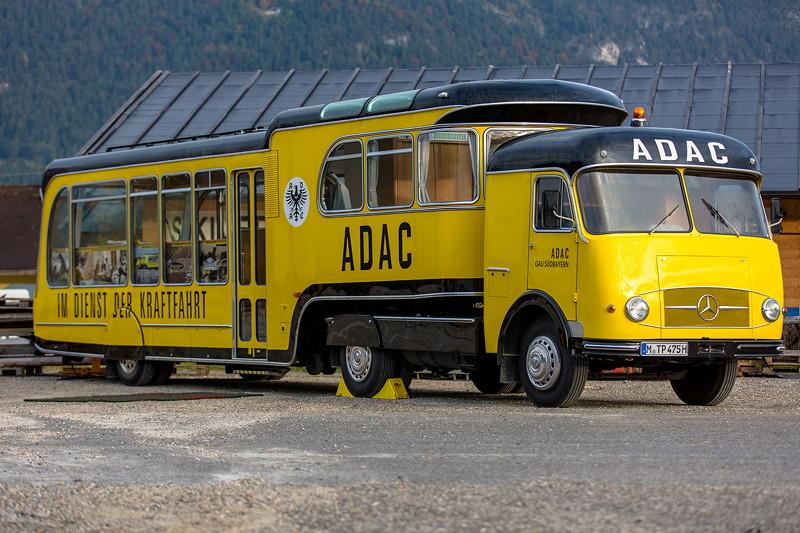 20 Jahre BCD Treffen: ADAC Oldi-Mobil als ORGA-Zentrale während des gesamten Treffens.