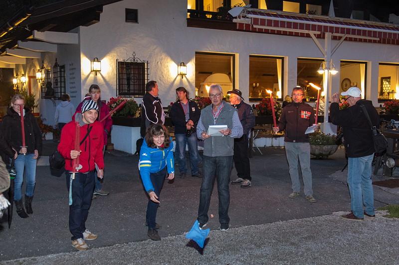 20 Jahre BCD Treffen, Säckchen Wurf am Riesser See Hotel Resort im Fackellicht.