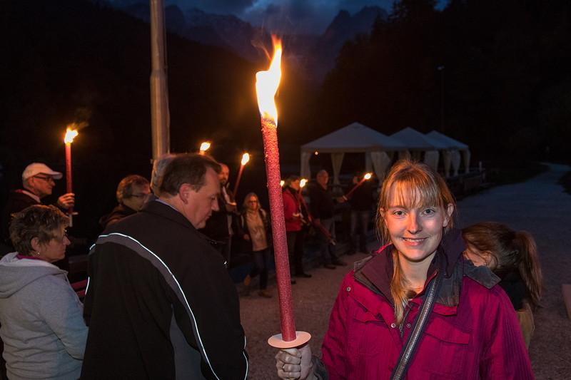 20 Jahre BCD Treffen, Viola ('*Phoebe*') mit ihrer Fackel am Riessersee bei Garmisch Partenkirchen.