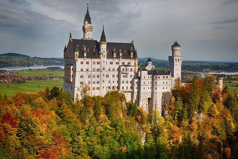 Schloss Neuschwanstein, gesehen von der Marienbrücke