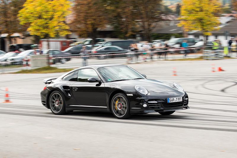 20 Jahre BCD Treffen: BMW Slalom Cup Finale am Samstag. Hier ein Gastfahrer, ein Porsche 911 Turbo S.
