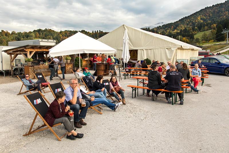 20 Jahre BCD Treffen: Teilnehmer am Samstag tagsüber am Festzelt