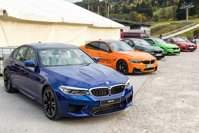 20 Jahre BCD Treffen: BMW M Ausstellung am Hausberg, mit dem ganz neuen M5, der von der IAA in Frankfurt nach Garmisch gebracht wurde.