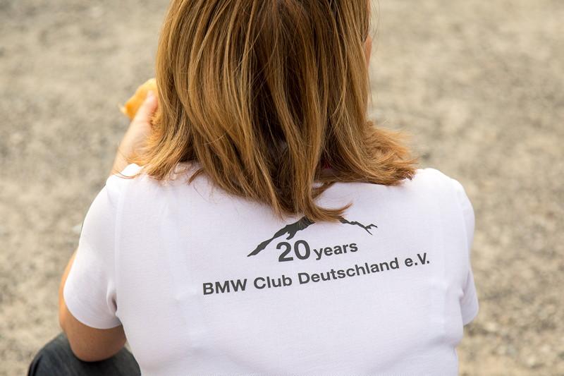 Jeder Teilnehmer bekam ein orig. BMW T-Shirt, gesponsort von BMW, beflockt vom BCD mit 20 Jahres Schriftzug.