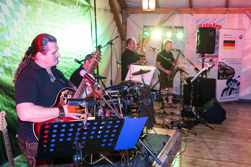 20 Jahre BCD Treffen, Festabend, mit der bayerischen Party-Band 'hot-loferl'.