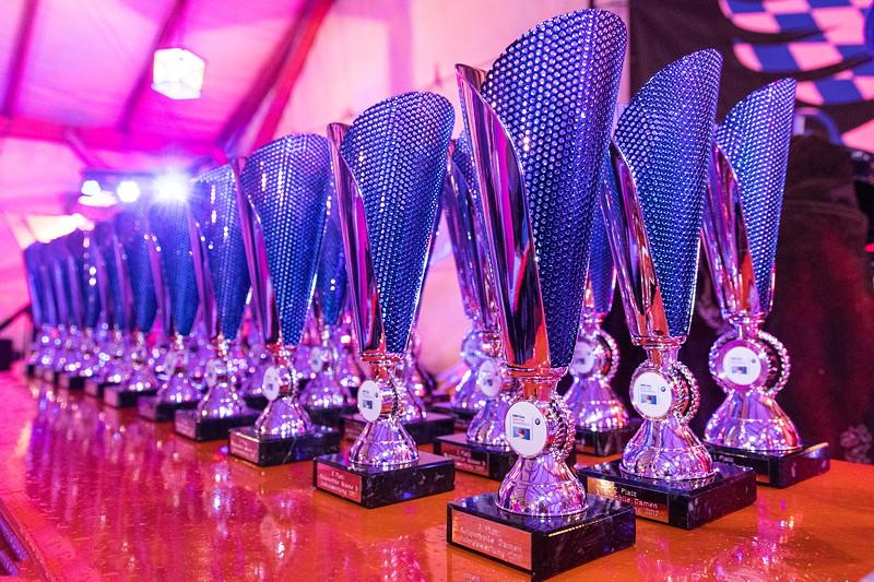 BMW Slalom Cup, Pokale für die Jahres-Gesamtwertung nach fünf Wertungsläufen inkl. dem Final-Lauf vom Tage am Hausberg.