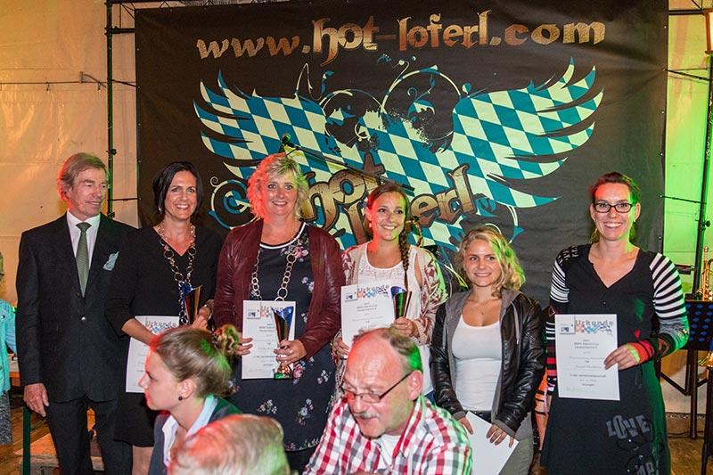 BMW Slalom Cup Gesamtwertung: Pokal- und Urkundenübergabe an die besten Frauen in der Klasse Automobile mit Gesamtsiegerin Heike Eymann (3. v. l.).