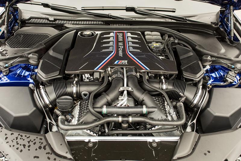 20 Jahre BCD Treffen: BMW M5, V8-BiTurbo Motor mit 600 PS, mit Carbon-Motor-Abdeckung.