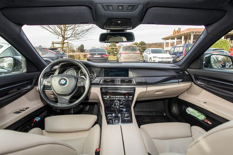 BMW 740i (F01) von Edwin ('Homerraas'), Interieur vorne.
