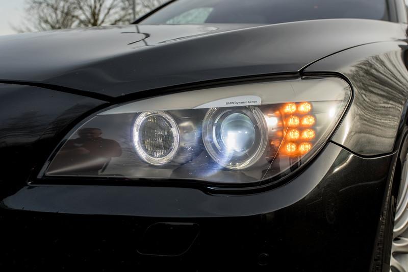 BMW 740i (F01) von Edwin ('Homerraas'), Bi-Xenon Scheinwerfer und LED Blinker.