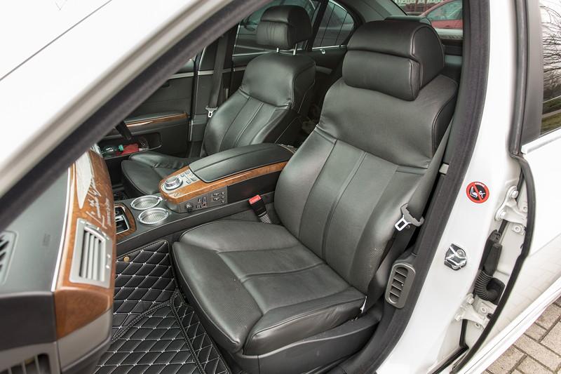 BMW 750i (E65 LCI), Japan-Import, Rechtslenker, von Olaf ('loewe40'), schwarze Ledersitze